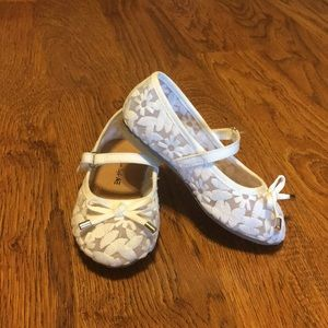 White dress shoes/wedding shoes toddler girl